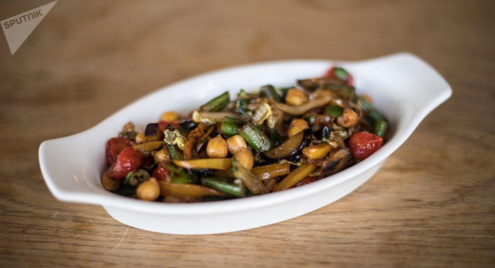 Guisado de verduras con garbanzo en Green Cafe