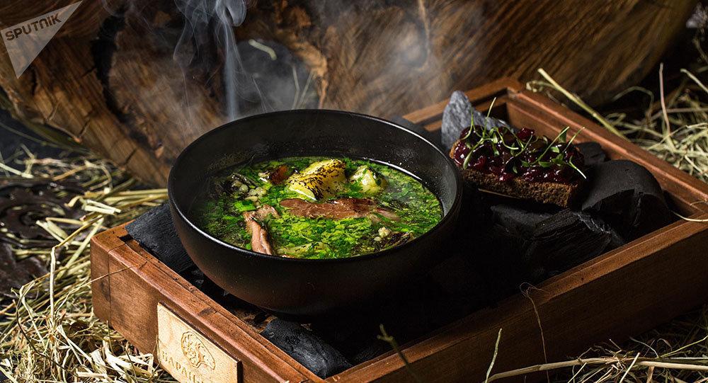Una sopa en el restaurante Barán-Rapán