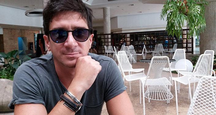 El cantante cubano David Blanco