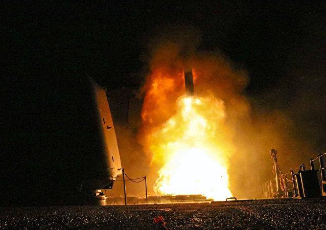 Lanzamiento de un misil Tomahawk (imagen referencial)