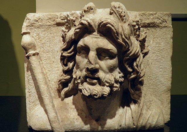 Una escultura de Zeus
