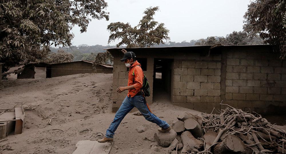 Las consequencias de la erupción del volcán de Fuego en San Juan Alotenango, Guatemala