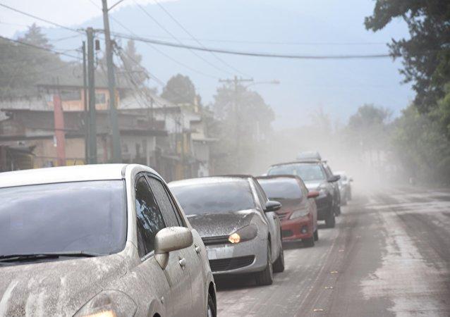 Un lugar afectado por la erupción del volcán de Fuego