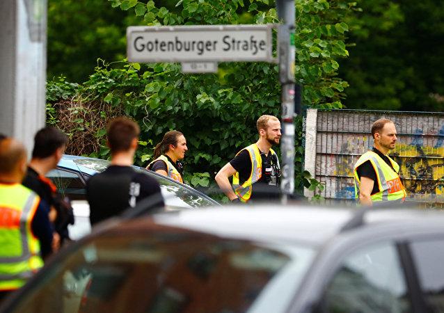 Policía alemana acordona una escuela en Berlín