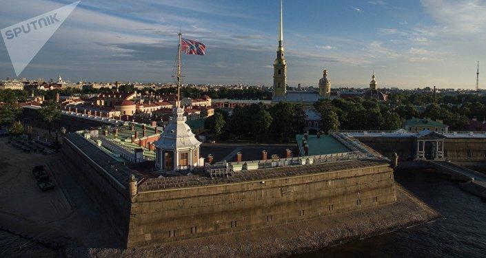 La Fortaleza de San Pedro y San Pablo en San Petersburgo, Rusia
