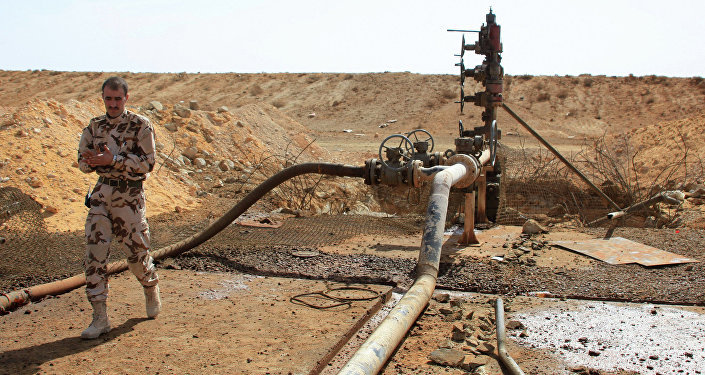 Yacimiento de petróleo en Homs, Siria (imagen referencial)