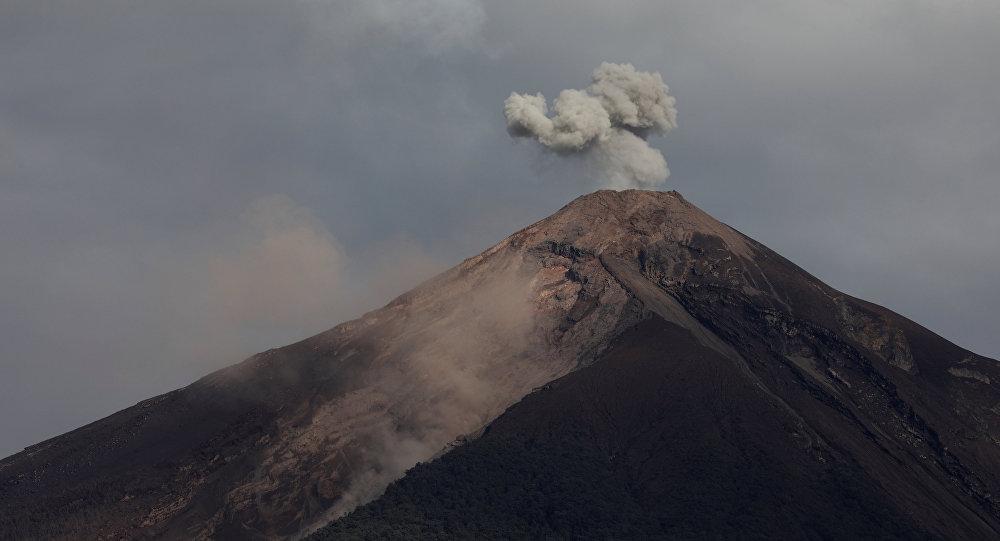 El volcán de Fuego de Guatemala aumentó su actividad explosiva