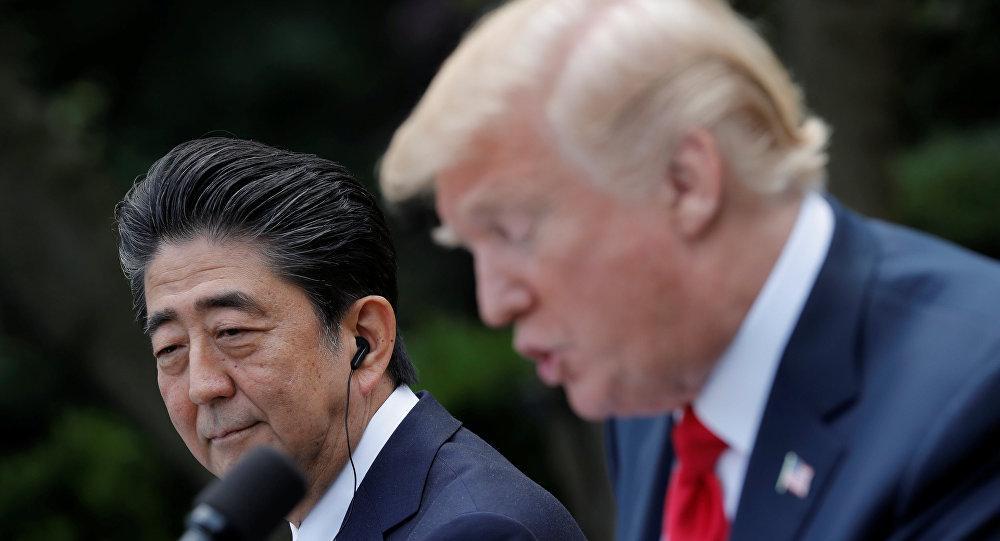 Donald Trump, presidente de EEUU, y Shinzo Abe, primer ministro de Japón