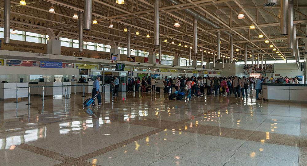 Activan policía migratoria en el aeropuerto internacional Simón Bolívar