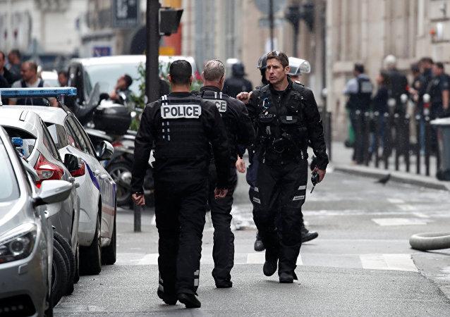 La policía de Francia en el lugar de toma de rehenes