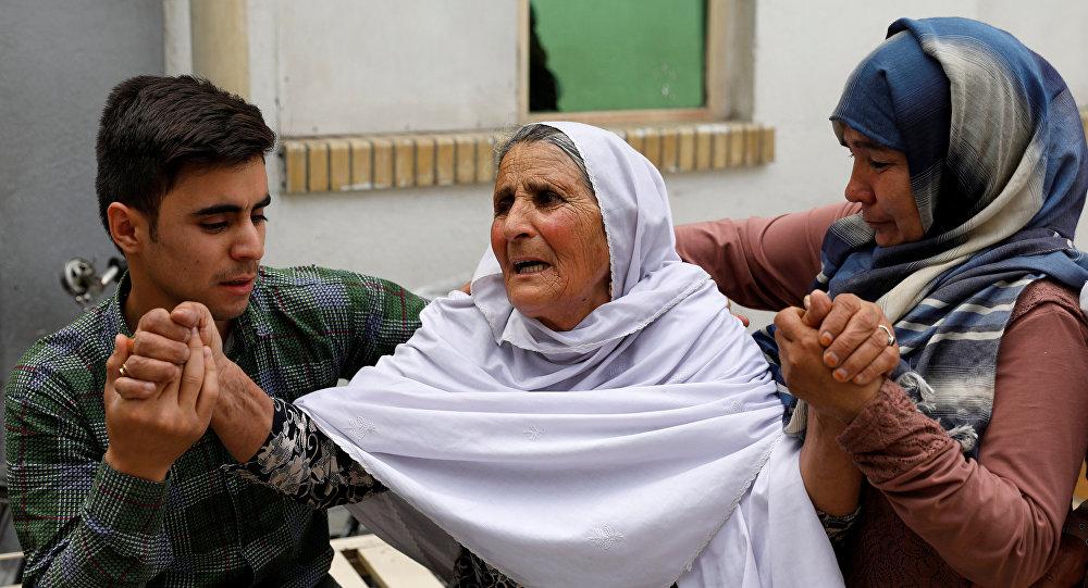 Parientes de las víctimas del atentado en Kabul