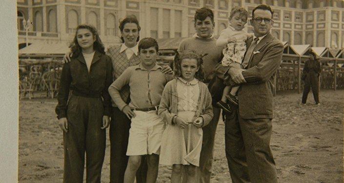 Fila completa, Mar del Plata, 1945