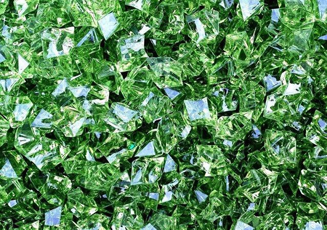 Unos cristales verdes, imagen referencial