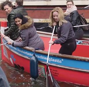 Plastic Whale, la segunda vida de la basura