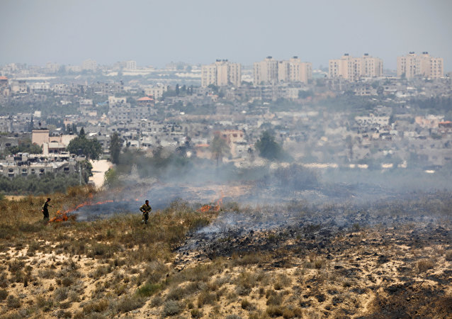 Soldados israelíes en la frontera con Gaza