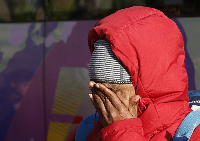 Una inmigrante en Ventimiglia, en la frontera entre Francia e Italia