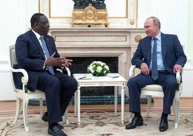 El presidente de Senegal, Macky Sall, y su homólogo ruso, Vladímir Putin