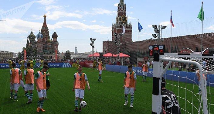 En la Plaza Roja de Moscú se abre el parque dedicado al Mundial 2018