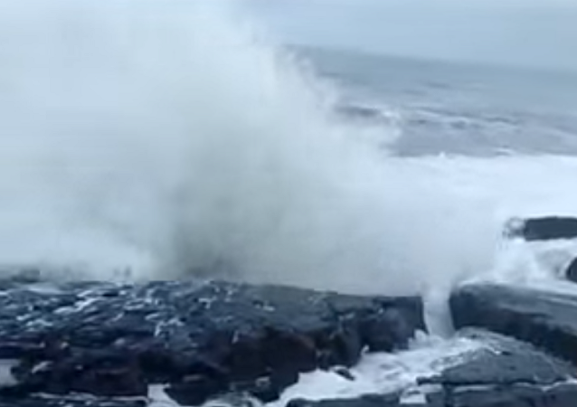 Una enorme ola que azotó la costa de la India