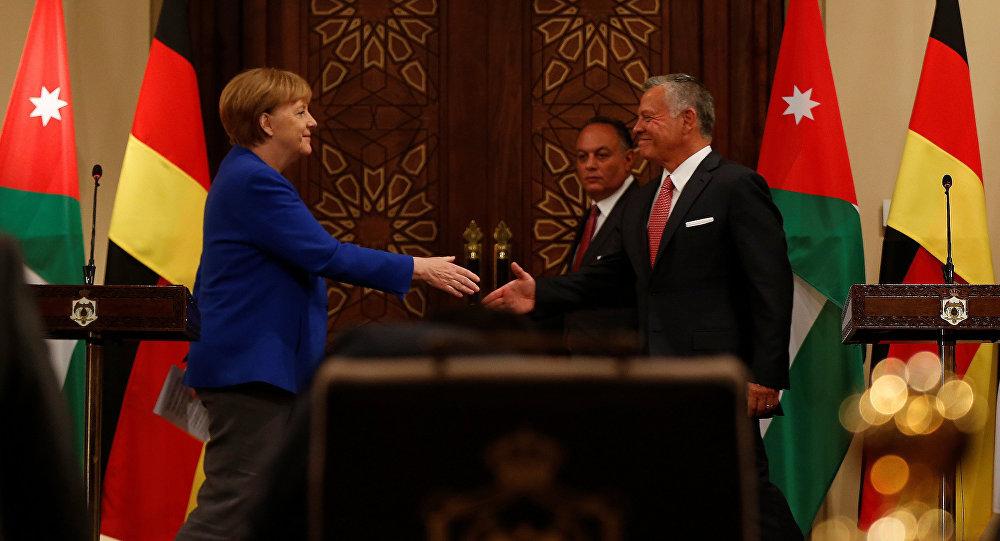 La canciller de Alemania, Angela Merkel, y el rey Abdalá II de Jordania