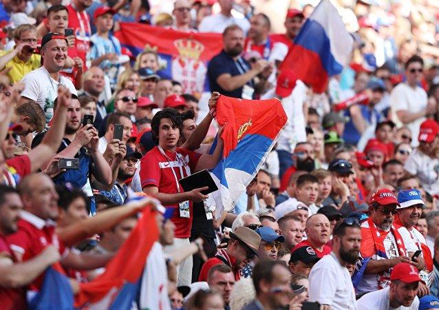 Aficionados serbios en el Mundial Rusia 2018