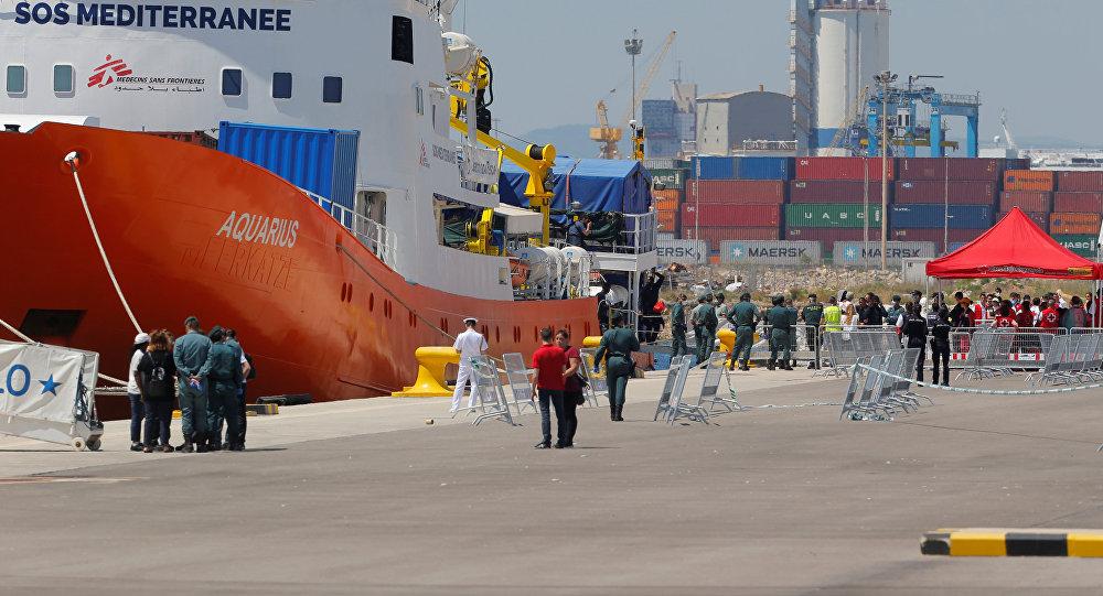 El barco de rescate Aquarius, en el puerto de Valencia (España)