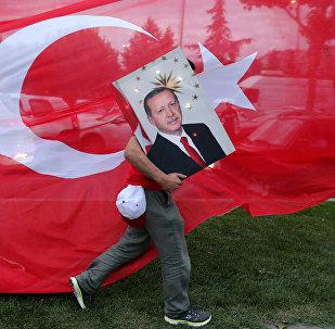 Partidario del presidente turco, Recep Tayyip Erdogan, en Estambul, Turquía