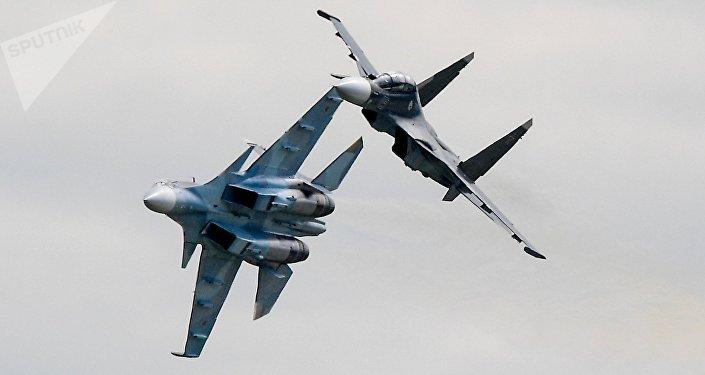 Cazas polivalentes Su-30SM (archivo)