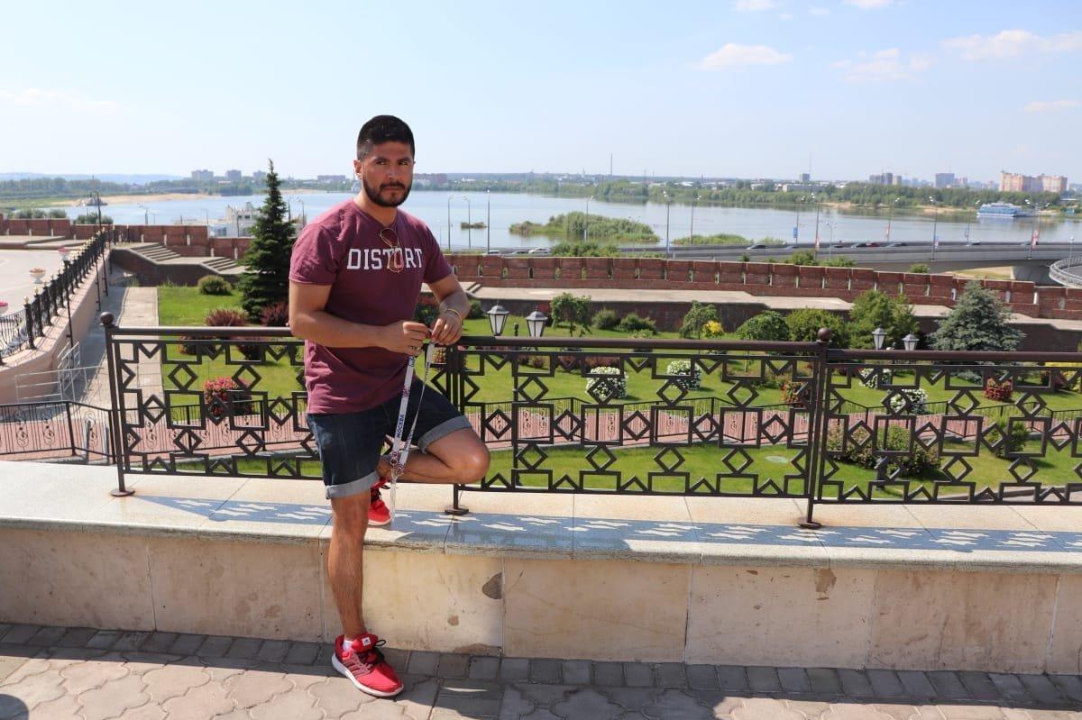 El colombiano Didier Urrego en Kazán a orillas del río Volga