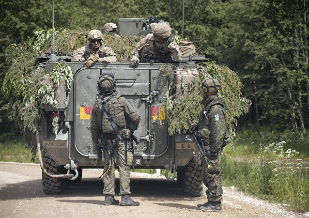 Militares de Estonia durante las maniobras de la OTAN (archivo)
