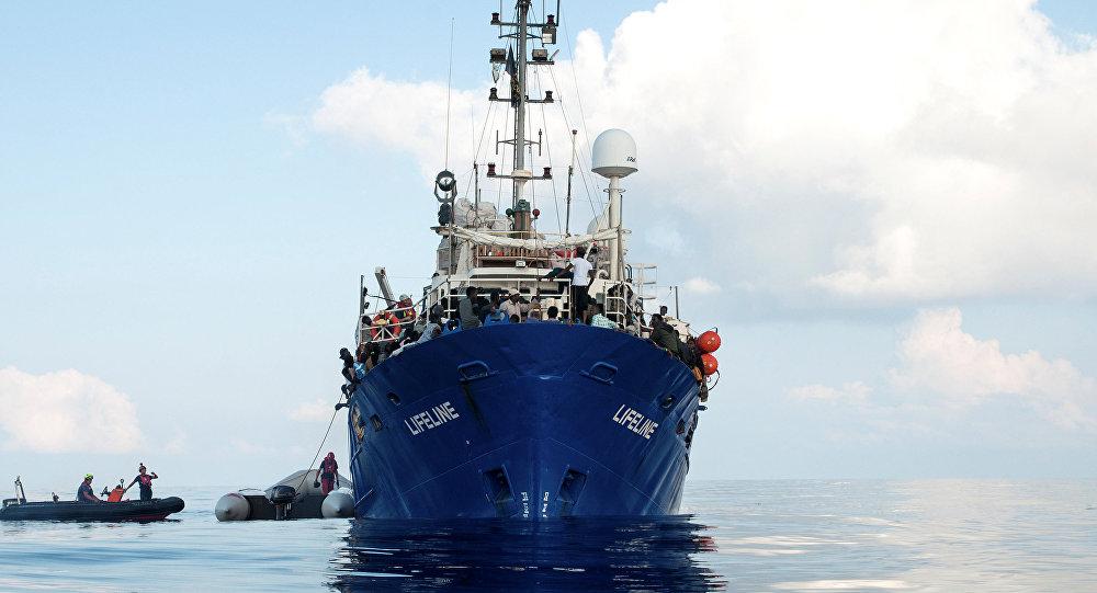 Migrantes en un buque de rescate (imagen referencial)