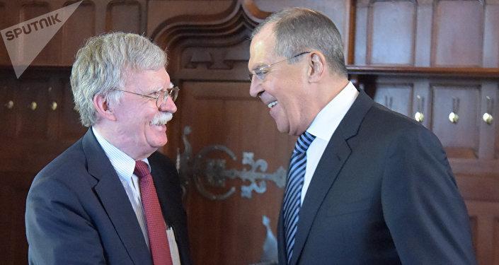 Una cumbre que puede cambiar la historia — Putin-Trump
