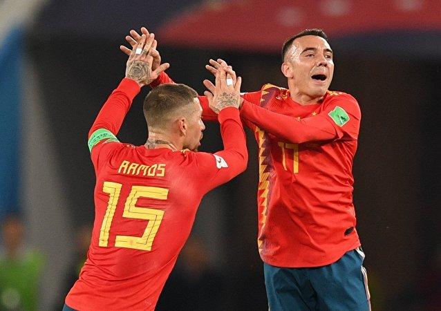 Sergio Ramos y Iago Aspas después del partido de la fase de grupos del Mundial entre las selecciones nacionales de España y Marruecos