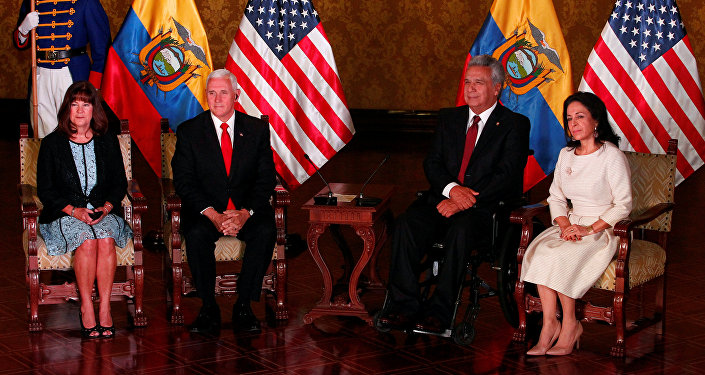 El vicepresidente de EEUU, Mike Pence y el presidente de Ecuador, Lenin Moreno junto con sus esposas