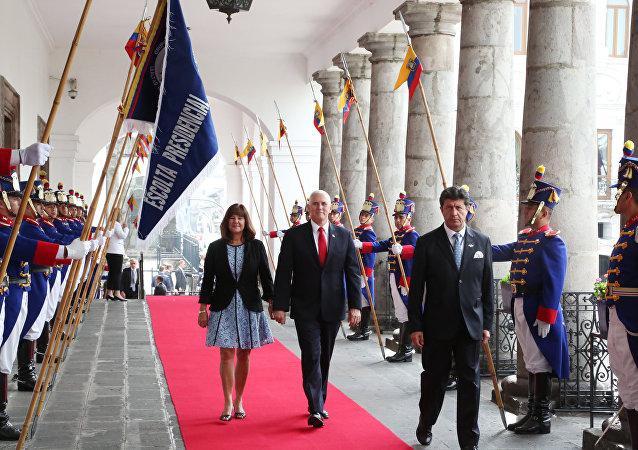 El vicepresidente de Estados Unidos, Mike Pence, visita la casa de Gobierno de Ecuador, en Quito
