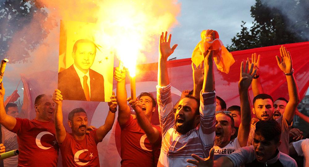 Seguidores de Recep Tayyip Erdogan, presidente de Turquía