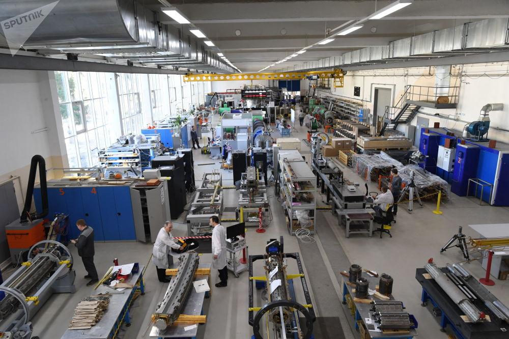 Un sector donde se lleva a cabo el ensamblaje y las pruebas de imanes superconductores