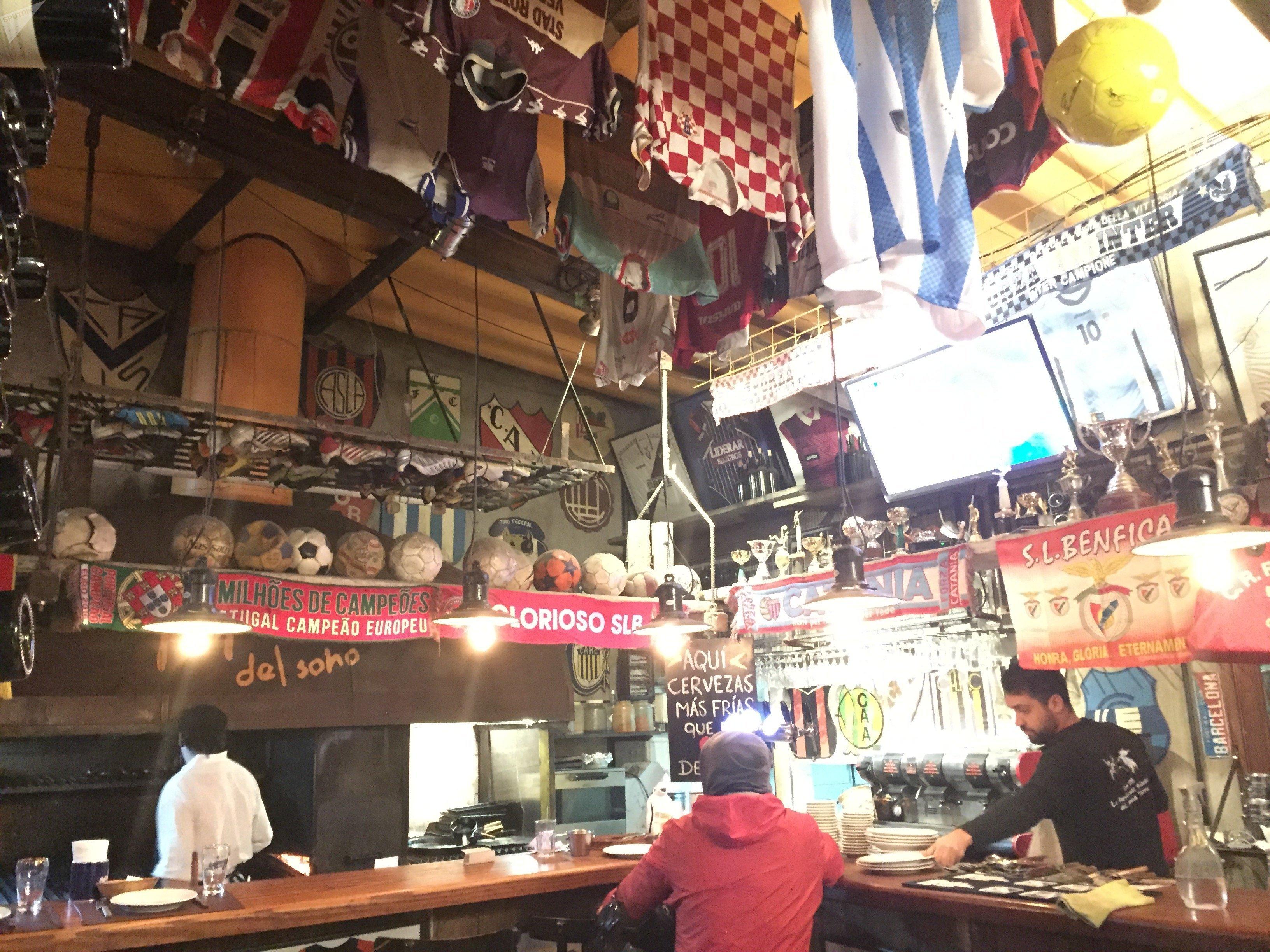 Restaurante futbolero La Popular, Argentina