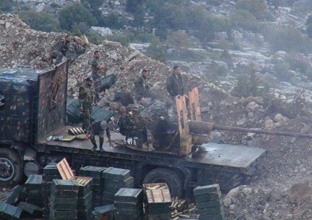 Soldados del Ejército sirio durante una ofensiva