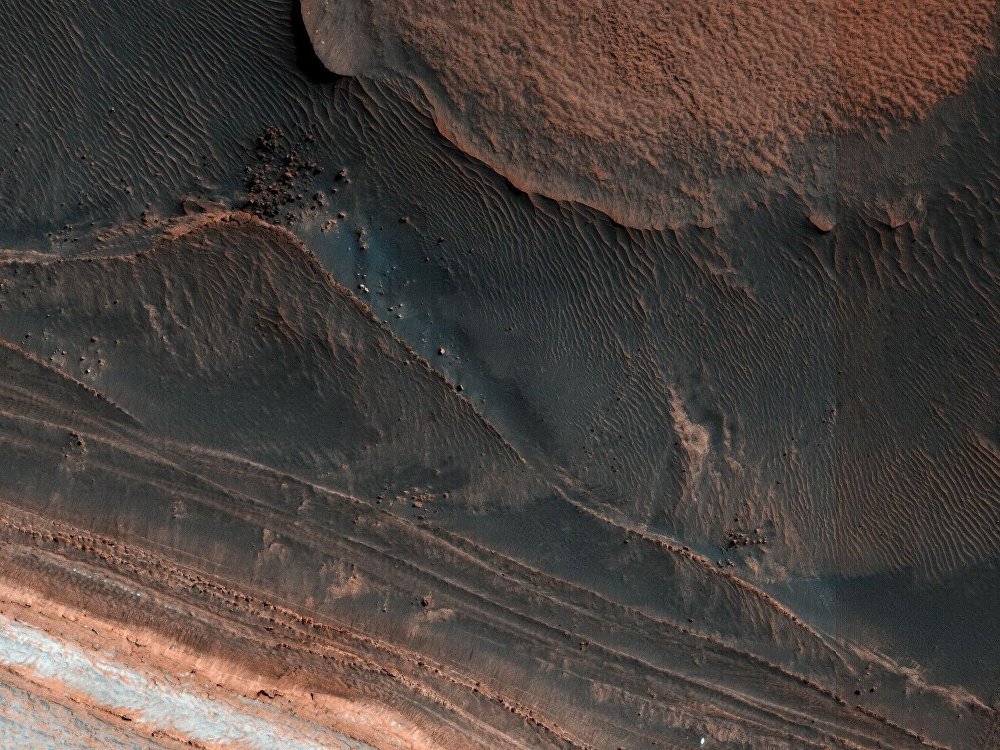 Depósitos estratificados del Polo Norte de Marte (25 de marzo de 2018)