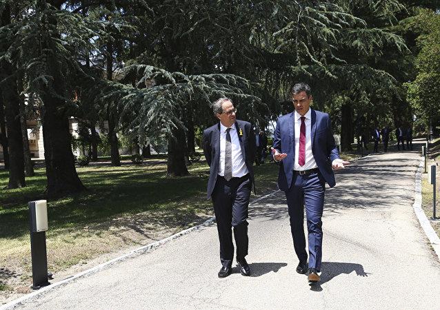 El presidente de la Generalitat, Quim Torra, y el presidente del Gobierno español, Pedro Sánchez (archivo)