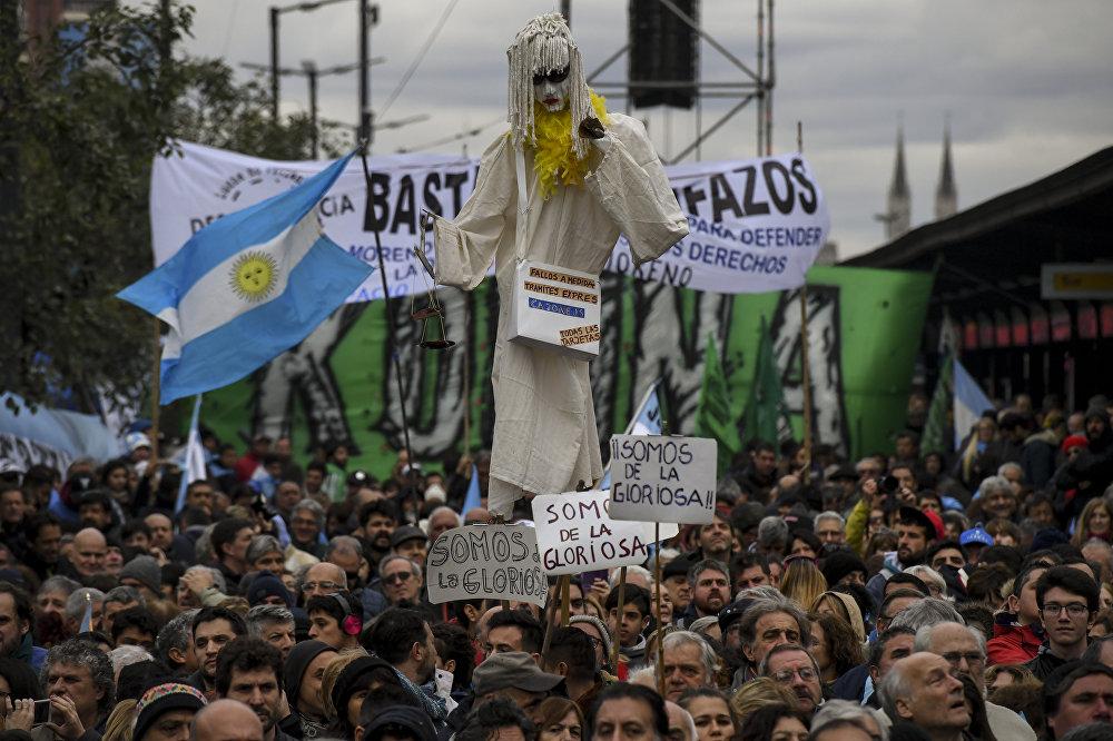 La multitudinaria protesta en Buenos Aires contra el FMI, en imágenes