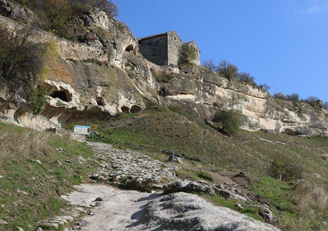 Ciudad de cuevas Chufut-Kale en Crimea, referencial