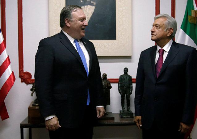 El secretario de Estado (canciller) de EEUU, Mike Pompeo, y el presidente electo de México, Andrés Manuel López Obrador