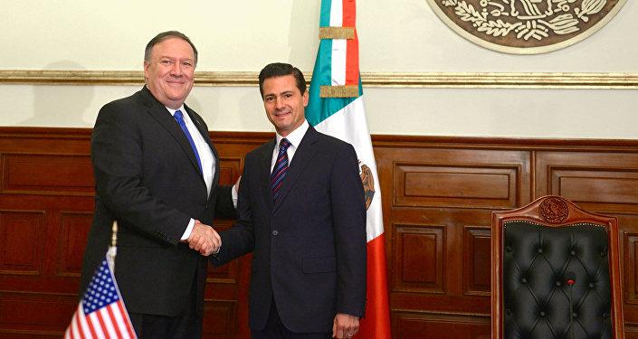 El secretario de Estado de EEUU, Mike Pompeo y el presidente de México, Enrique Peña Nieto