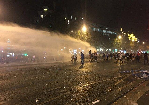 Disturbios en París, Francia