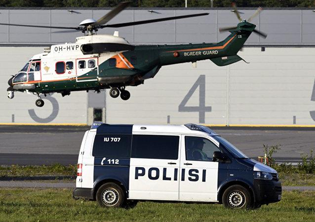 Policía finlandesa en Hilsinki
