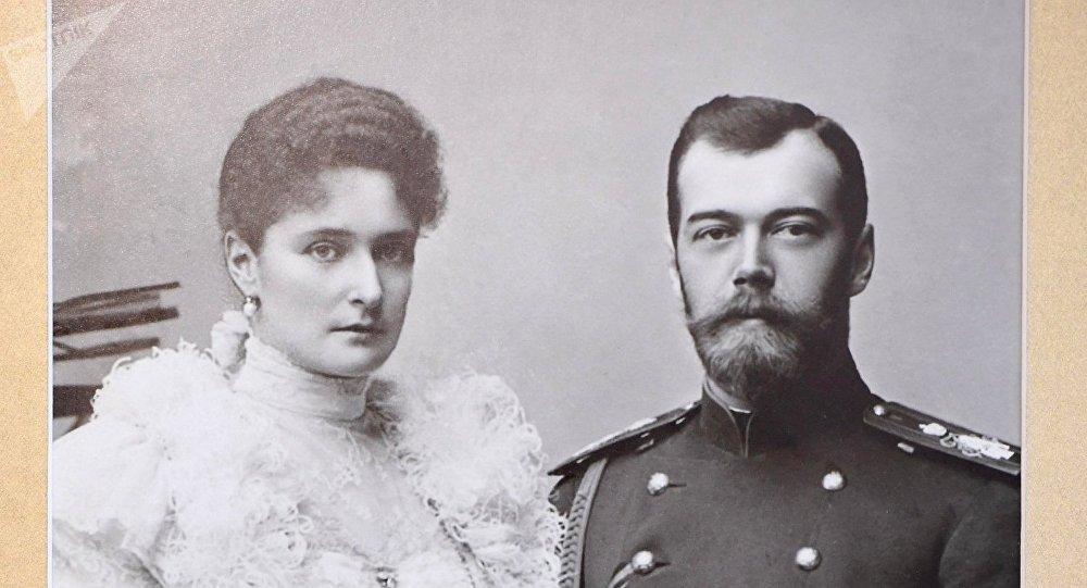 Conmemoran el centenario del ejecución del último zar
