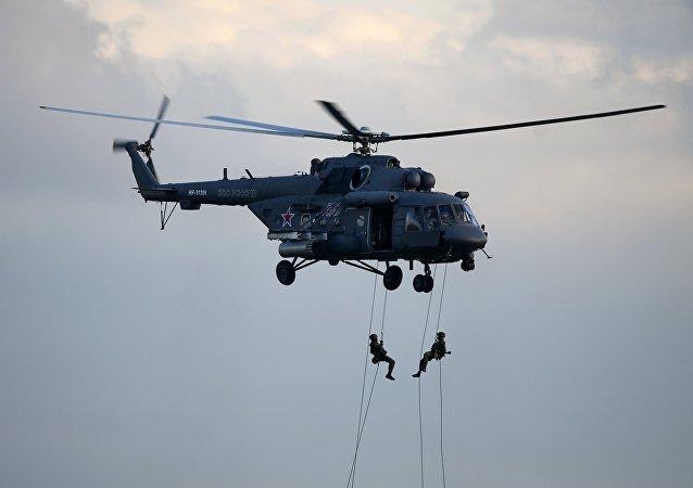 Helicóptero de transporte y combate Mi-8AMTSh (imagen referencial)