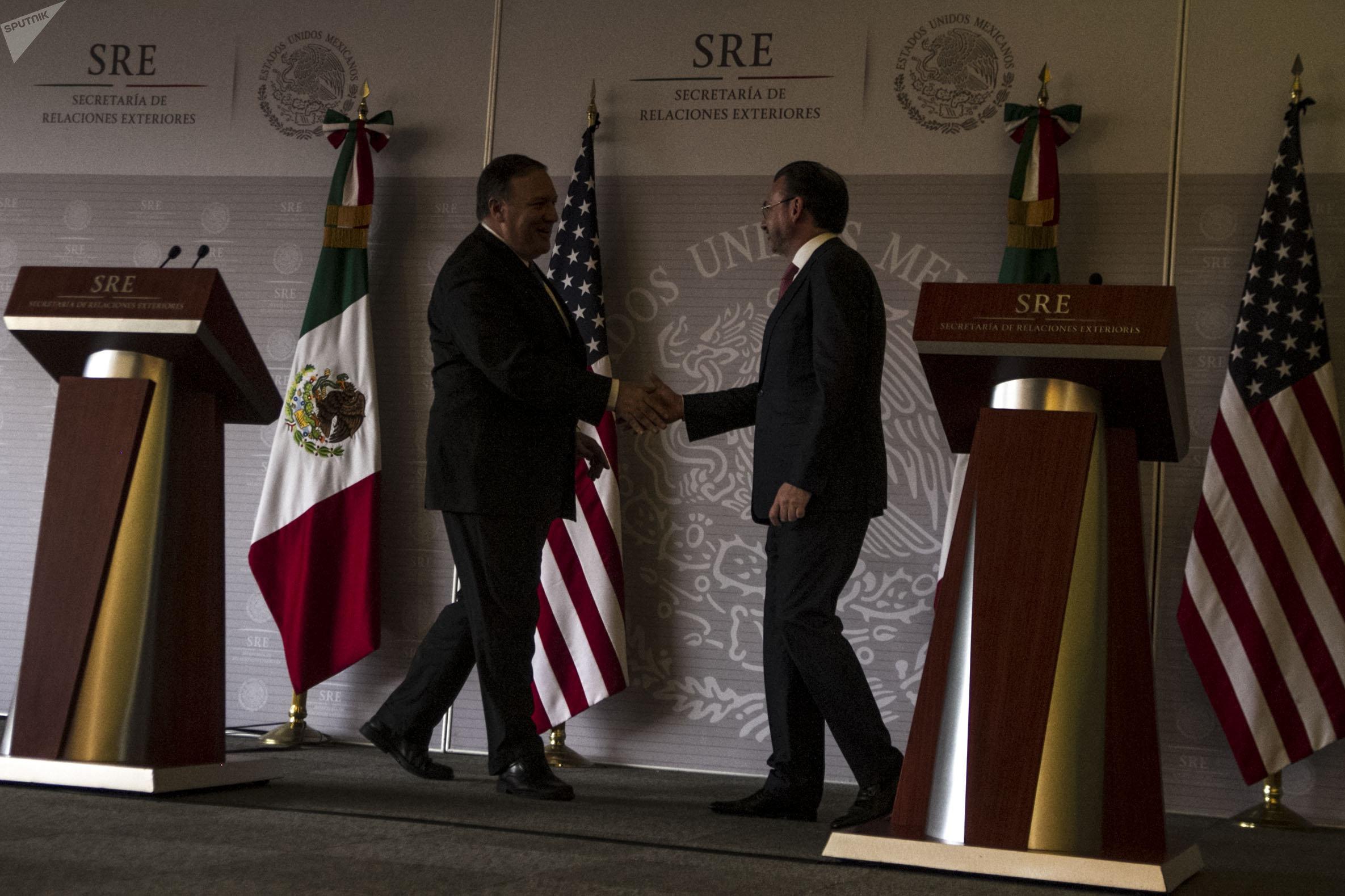 Michael Richard Pompeo, secretario de Estado de EEUU y Luis Videgaray secretario de Relaciones Exteriores mexicano, ofrecen conferencia de prensa tras la reunión con el Gobierno de Enrique Peña Nieto